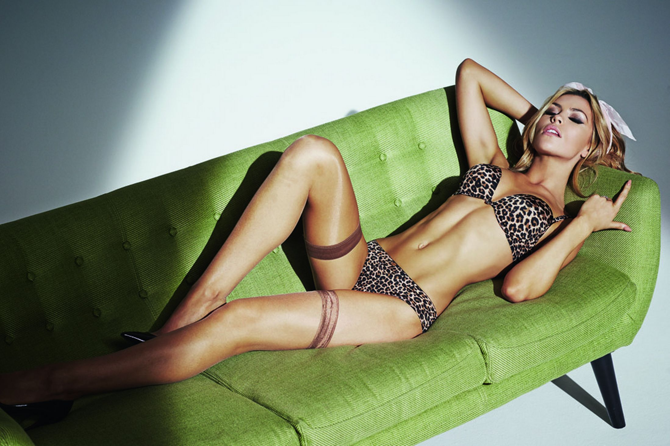 Abbey-Clancy-Ultimo-lingerie-EMBARGO